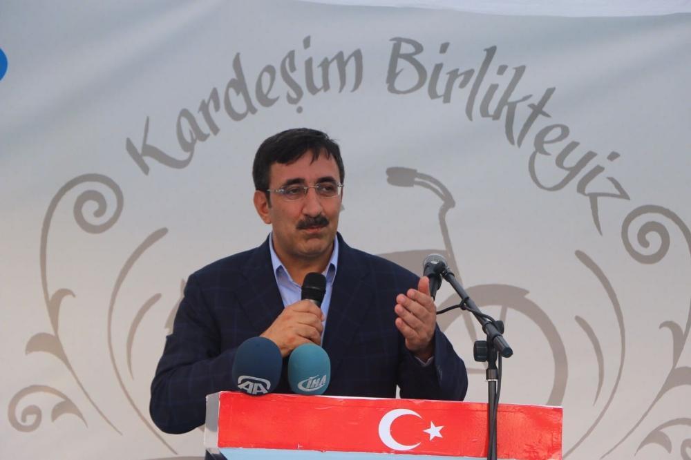 """""""BİZ BİR VE BÜTÜNÜZ"""""""