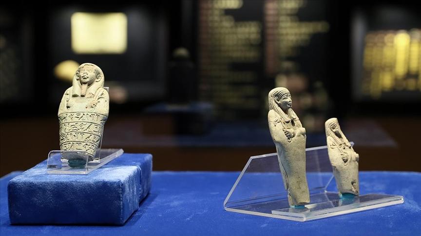 MISIR'IN 'UŞABTİ' HEYKELCİKLERİ İZMİR'DE İLK KEZ ZİYARETE AÇILDI